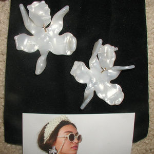 NEW $125 Lele Sadoughi lily earrings Neiman Marcus